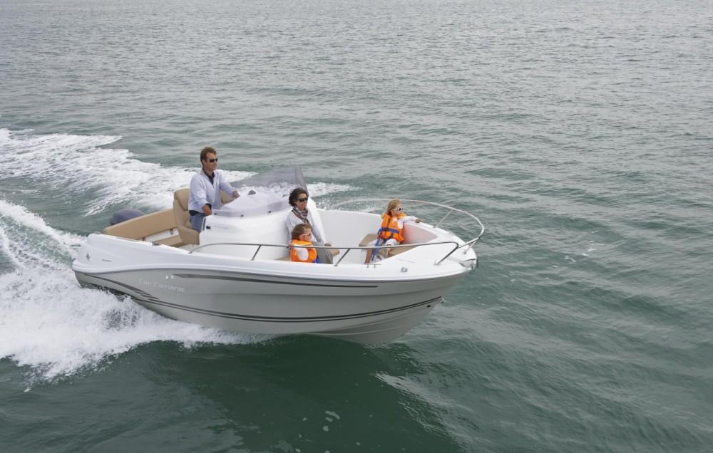 Location bateau Es Mercadal pas cher Cap Camarat 6.5 CC