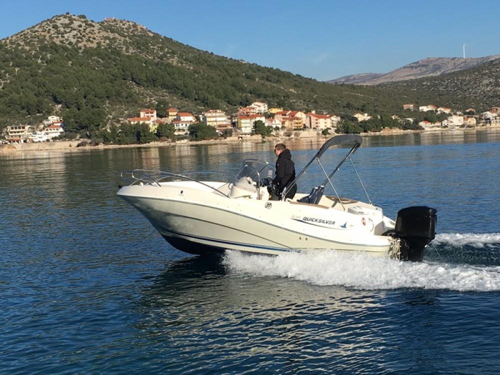 Location bateau Trogir pas cher Quicksilver 635 Commander