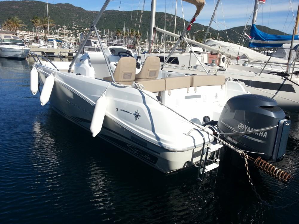 Location bateau Cavalaire-sur-Mer pas cher Cap Camarat 6.5 CC