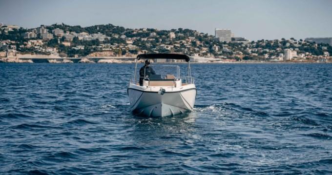 Louez un Quicksilver Activ 675 Open à Vieux-Port de Marseille