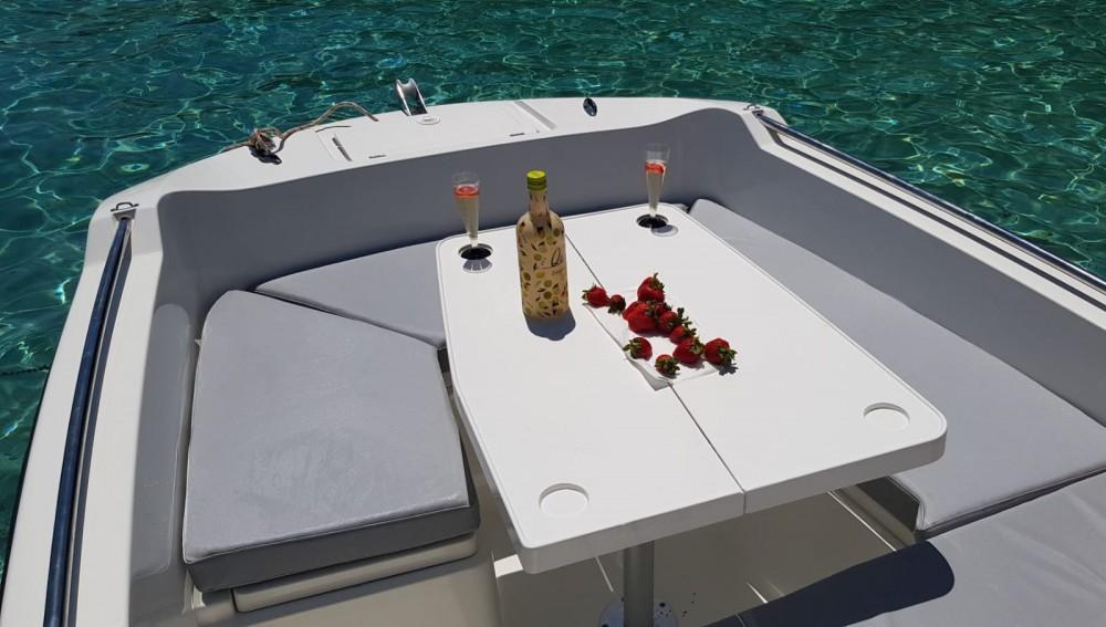 V2-Boat 5.0 entre particuliers et professionnel à Formentera