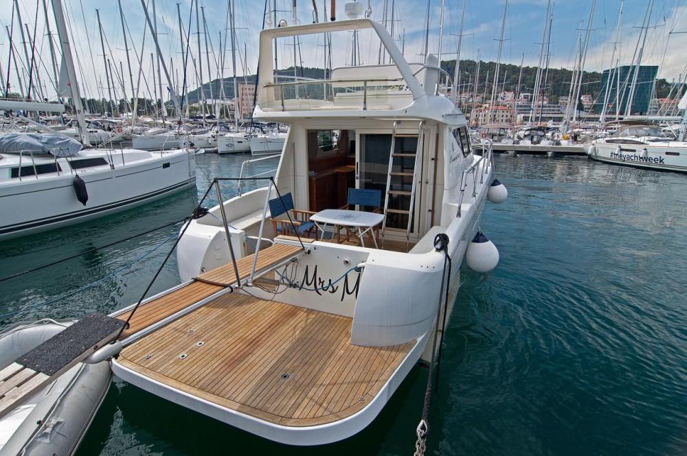 Location bateau Carnevali-Shipyard Carnevali 36S Fly à Seget Donji sur Samboat