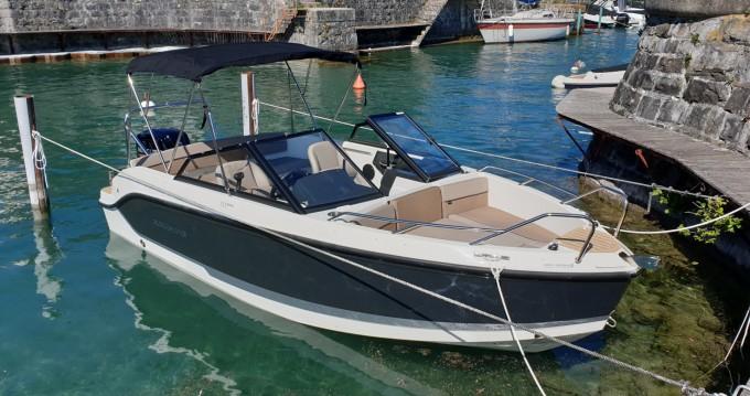 Location bateau Évian-les-Bains pas cher Activ 555 Bowrider