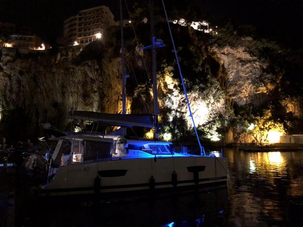 Fountaine Pajot Lucia 40 entre particuliers et professionnel à Ibiza Magna