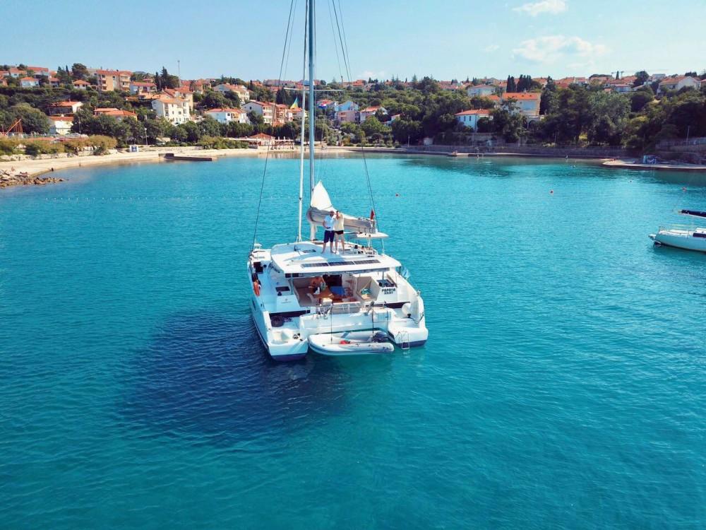 Catamaran à louer à Ibiza Magna au meilleur prix