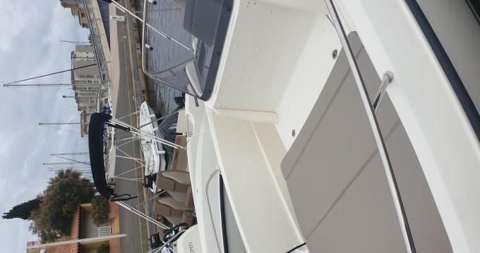 Location bateau Quicksilver Activ 605 Open à Gruissan sur Samboat