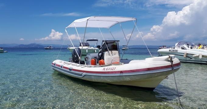 Louez un Joker Boat Coaster à Hyères