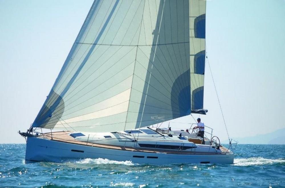 Location bateau Jeanneau Sun Odyssey 449 à Saint-Mandrier-sur-Mer sur Samboat