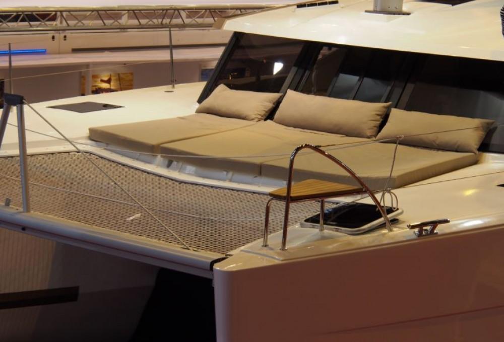 Location bateau Trogir pas cher Lucia 40