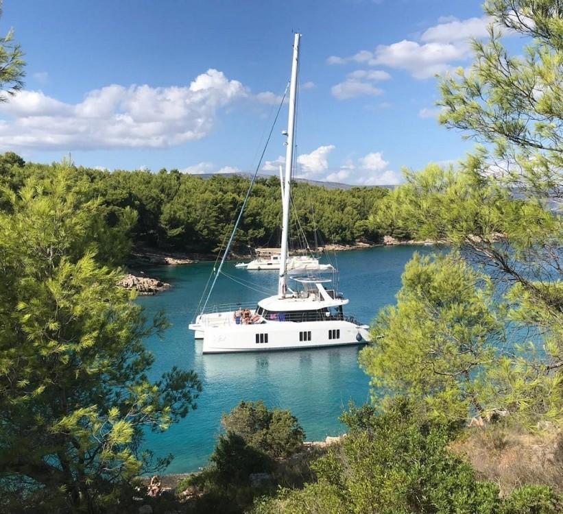 Louer Catamaran avec ou sans skipper Sunreef à Trogir