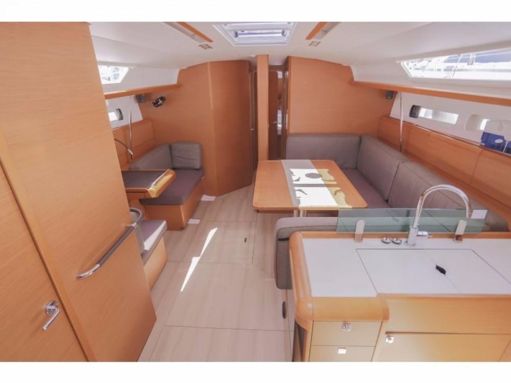 Louez un Jeanneau Sun Odyssey 449 à Trogir