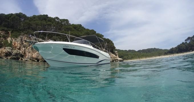 Location bateau Jeanneau Cap Camarat 7.5 WA Serie 2 à Ciutadella de Menorca sur Samboat