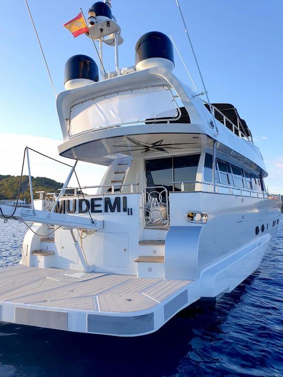 Louer Yacht avec ou sans skipper Baglietto à Alicante
