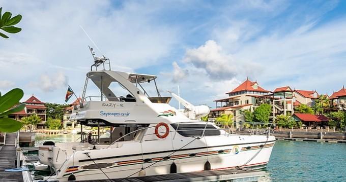 Louer Bateau à moteur avec ou sans skipper  à Eden Island