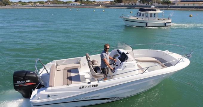 Jeanneau Cap Camarat 7.5 CC entre particuliers et professionnel à La Flotte