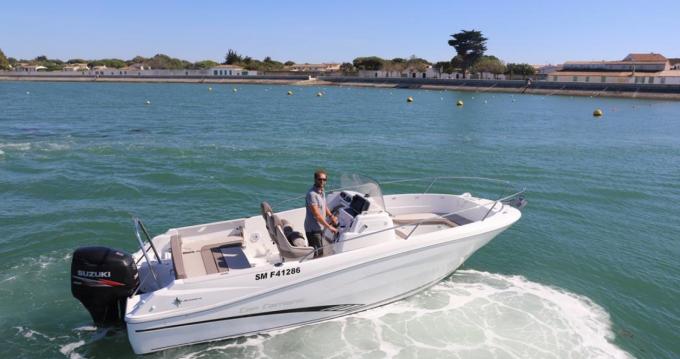 Location yacht à La Flotte - Jeanneau Cap Camarat 7.5 CC sur SamBoat