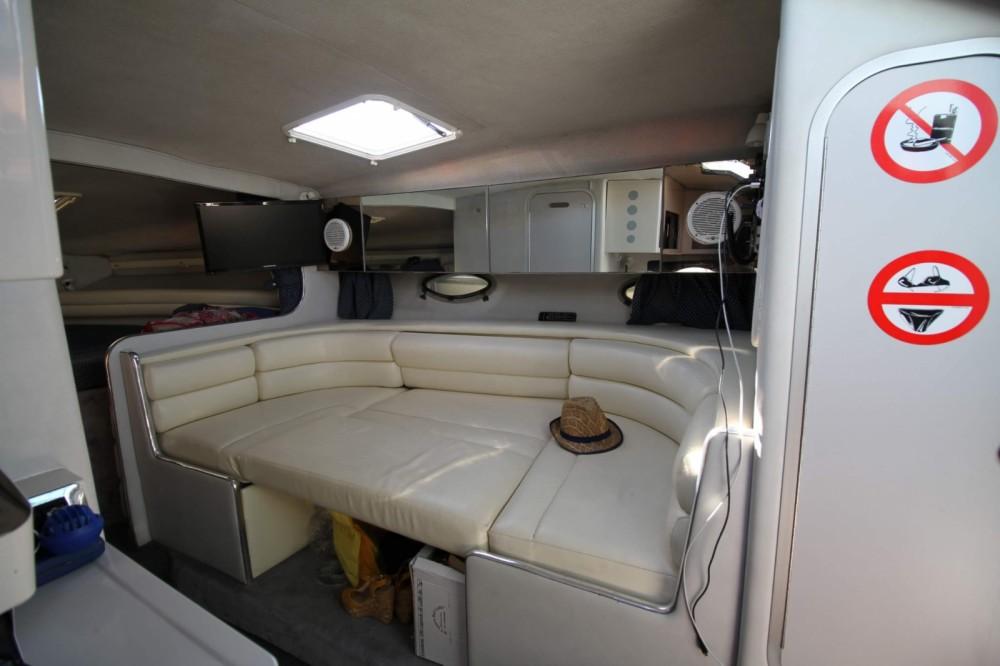 Louer Bateau à moteur avec ou sans skipper Chaparral à Giardini-Naxos