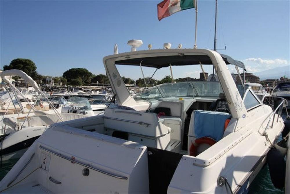 Location Bateau à moteur à Giardini-Naxos - Chaparral 350