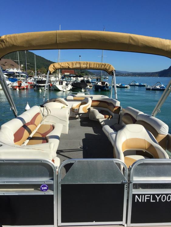 Louer Bateau à moteur avec ou sans skipper Southland à Annecy