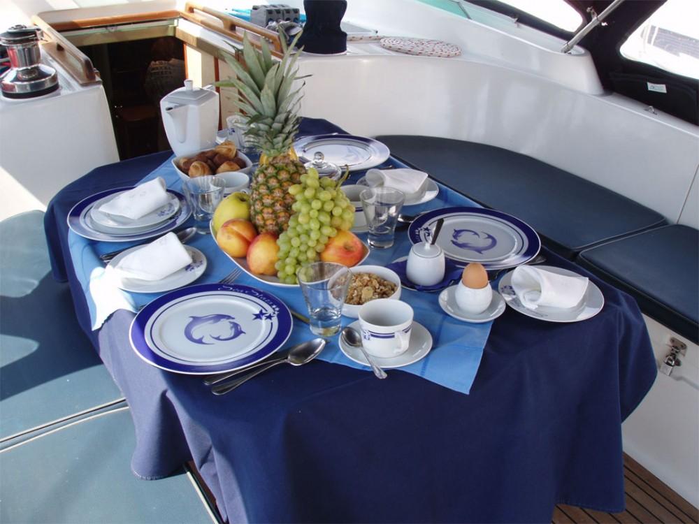 Ocean Ocean Yachts Custom built Luxury entre particuliers et professionnel à Marina de Alimos