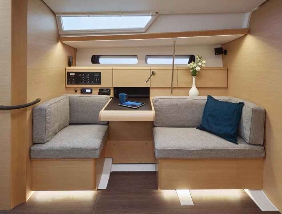 Location yacht à Îles Vierges des États-Unis - Jeanneau Sun Odyssey 449 sur SamBoat