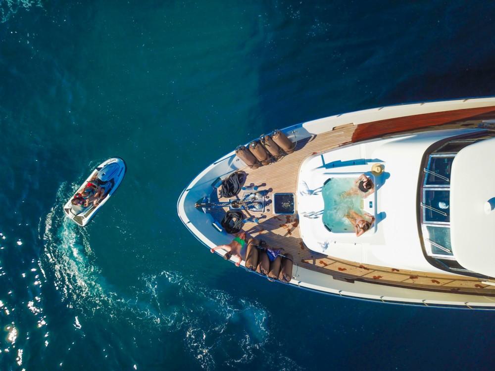 Location yacht à Cannes - Trawler Yacht sur SamBoat