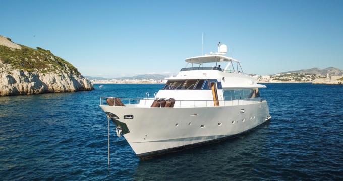 Location bateau Mondomarine Mondomarine 82 à Nice sur Samboat