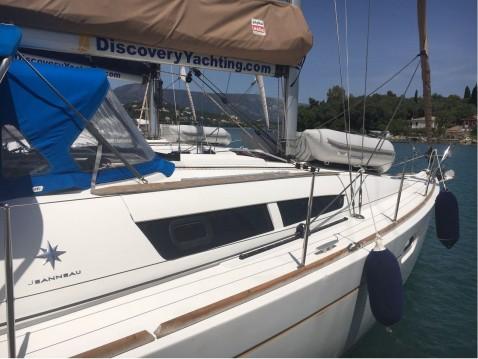 Location bateau Jeanneau Sun Odyssey 36i à Gouviá sur Samboat