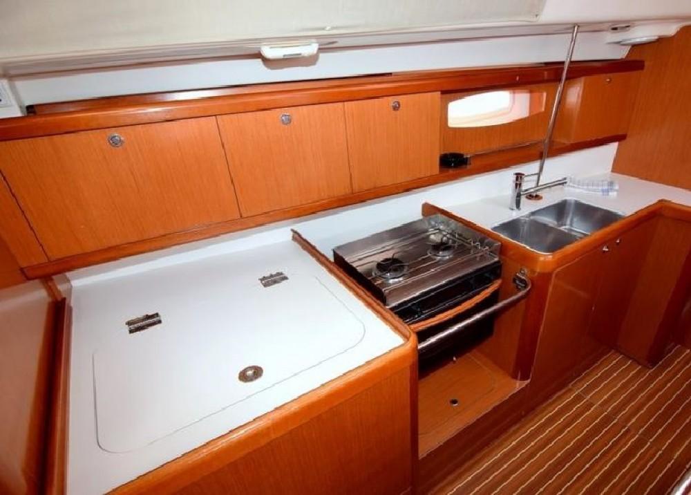 Location yacht à Kontokali - Bénéteau Oceanis 43 sur SamBoat