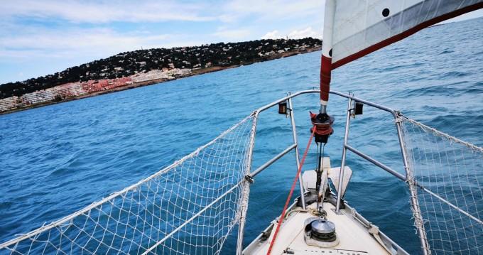 Louer Voilier avec ou sans skipper Jeanneau à Sète