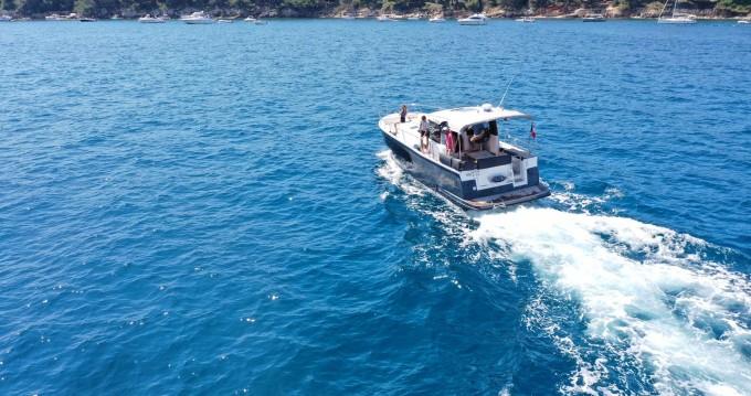 Location bateau Nice pas cher Delphia 1100