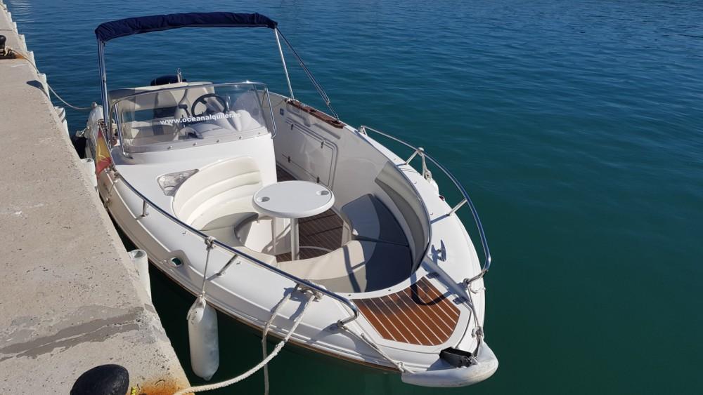 Location bateau Quicksilver Quicksilver 600 Commander à Benalmádena sur Samboat