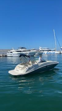 Bateau à moteur à louer à Puerto Deportivo de Marbella au meilleur prix