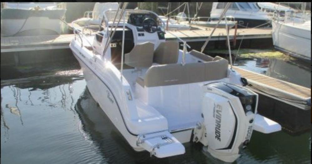 Location bateau Arzon pas cher Next 220 SH