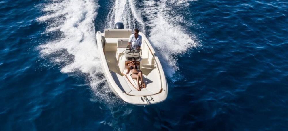 Location bateau Maó pas cher Invictus 190 FX