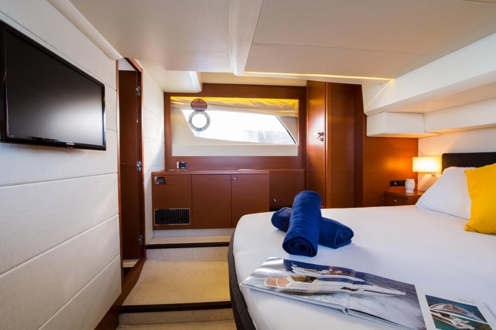 Location bateau Capo d'Orlando pas cher Prestige 500 S