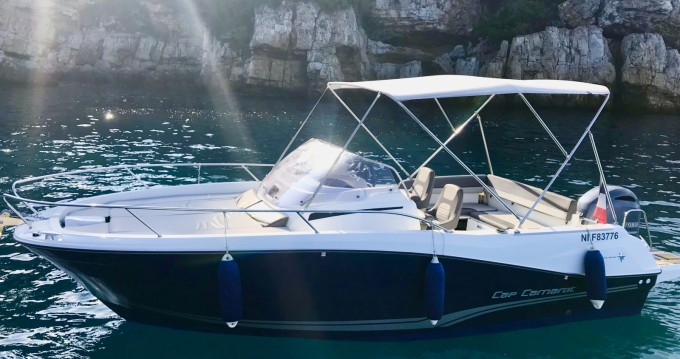 Louer Bateau à moteur avec ou sans skipper Jeanneau à Antibes