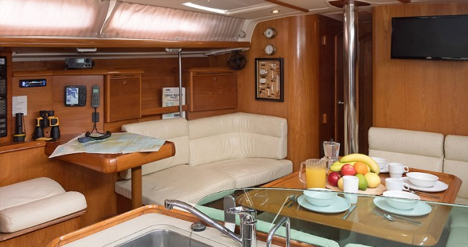 Location yacht à Paros - Jeanneau Sun Odyssey 43 sur SamBoat