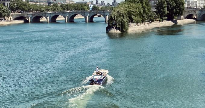 Louez un Quicksilver Guernsey Classic 20 à Paris