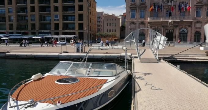 Four Winns Sundowner 205 entre particuliers et professionnel à Marseille