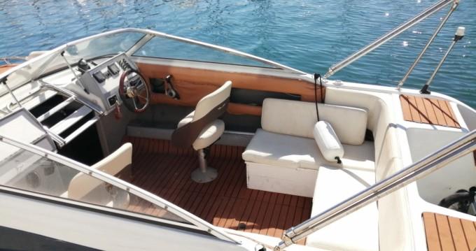 Location bateau Four Winns Sundowner 205 à Marseille sur Samboat