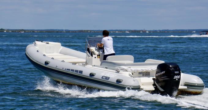 Louer Semi-rigide avec ou sans skipper Bsc à Lège-Cap-Ferret
