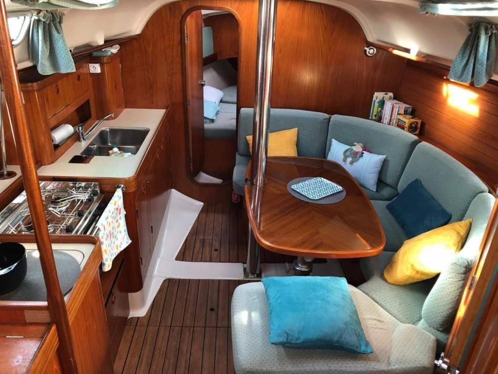 Bénéteau Oceanis 351 Clipper entre particuliers et professionnel à La Roche-Bernard