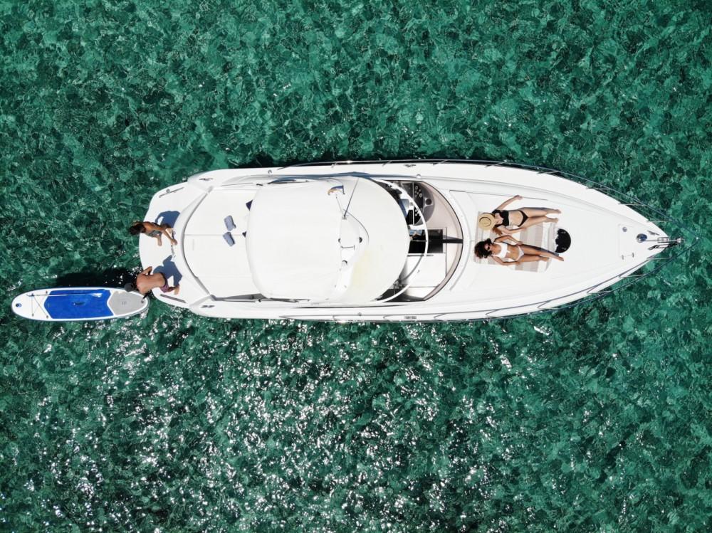 Louer Bateau à moteur avec ou sans skipper Pershing à Balearic Islands