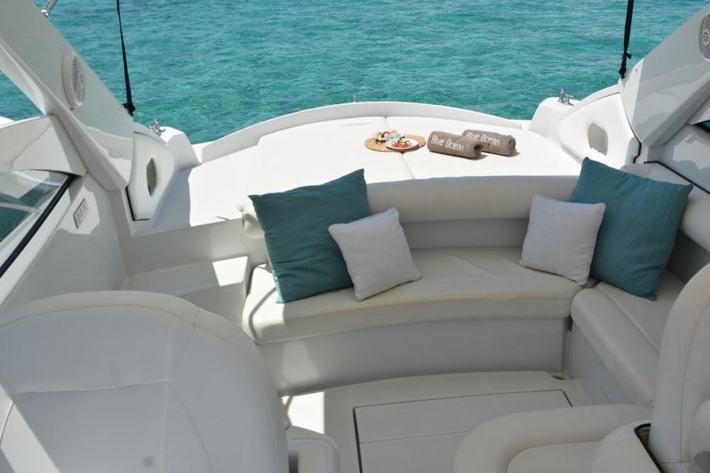 Location bateau Balearic Islands pas cher Pershing 37