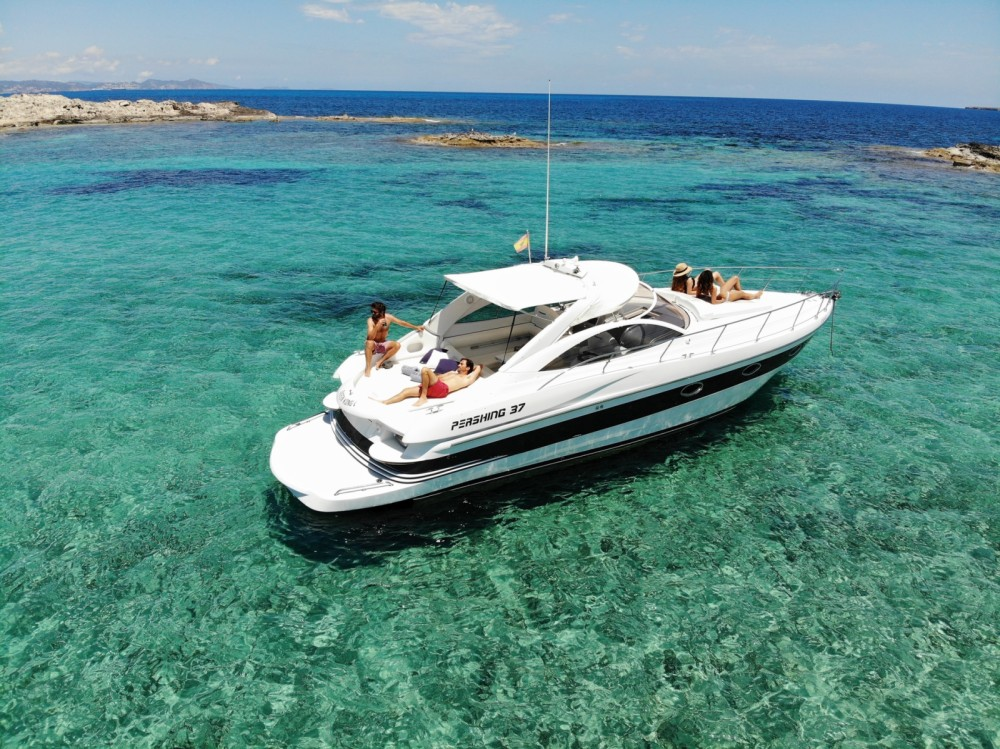 Pershing Pershing 37 entre particuliers et professionnel à Balearic Islands