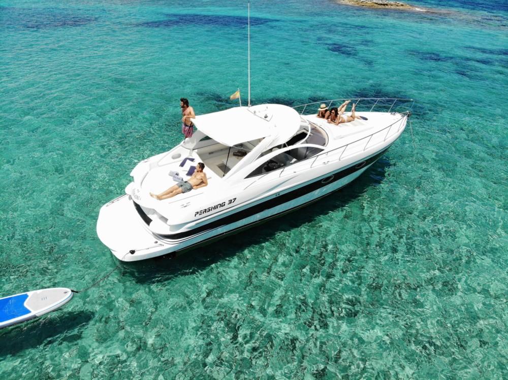 Louez un Pershing Pershing 37 à Balearic Islands