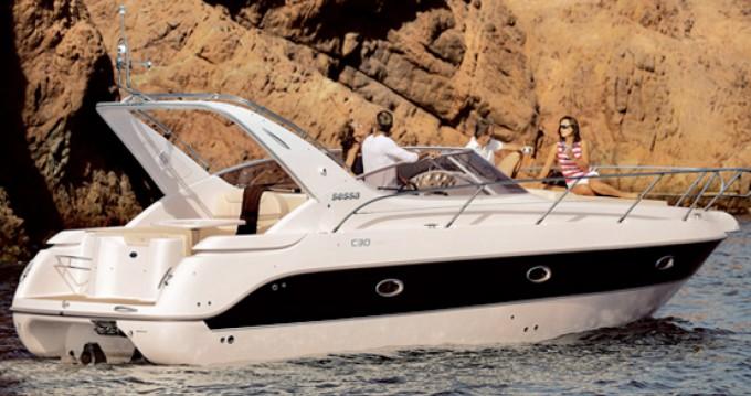 Louez un Sessa Marine C30 à Barcelone