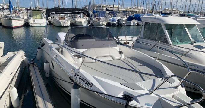 Louer Bateau à moteur avec ou sans skipper Karnic à Port-Camargue