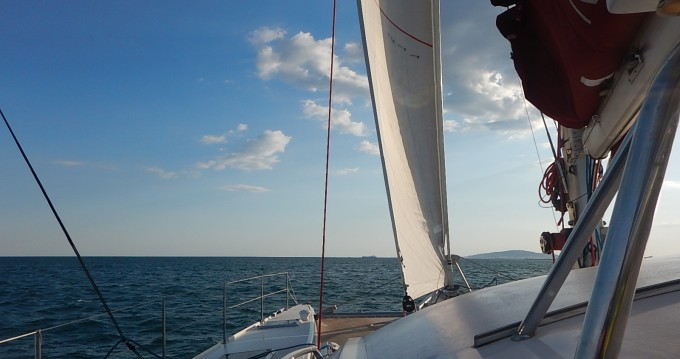 Location bateau Outremer 55 light à Sète sur Samboat